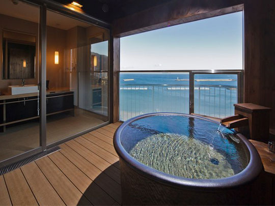 熱海シーサイドスパ&リゾート 客室露天風呂(最上階ロイヤルスイート)