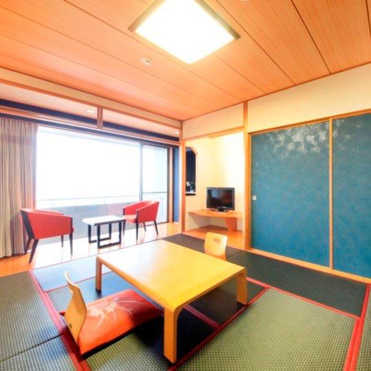 鉄板ダイニング ゆとりろ熱海 オーシャンビューの和室8畳