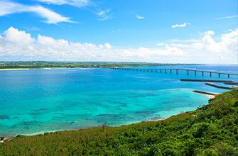 宮古島から眺める来間大橋(くりまおおはし)
