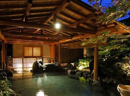 上牧温泉 人気の貸切風呂と炭火山里料理の宿 辰巳館