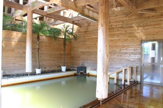 樫立向里温泉ふれあいの湯の大浴場
