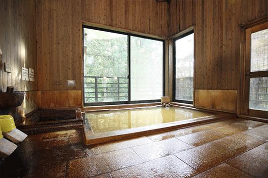 毒沢鉱泉 神の湯(かみのゆ)