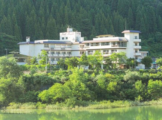 白峰温泉 ホテル八鵬