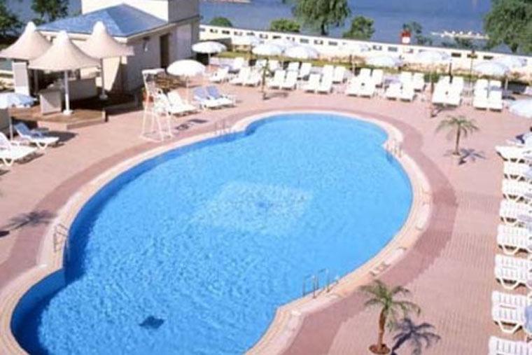 ロイヤルオークホテル スパ&ガーデンズ 屋外プール