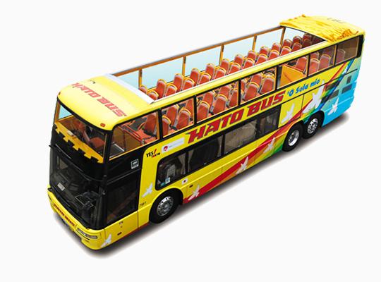 はとバスの2階建てオープンバス「'O Sola mio」