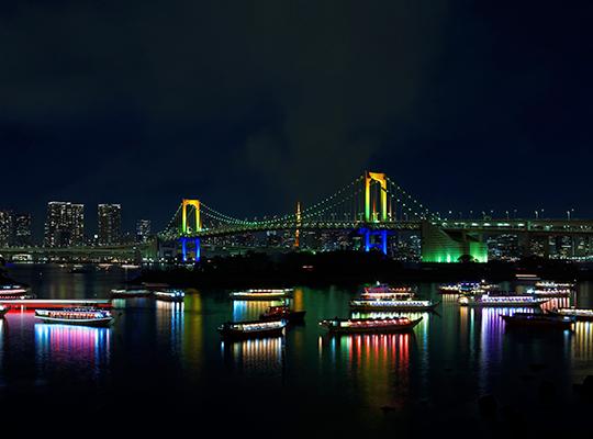 屋形船 夜景