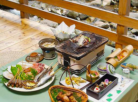 囲炉裏の宿 豊楽:川床料理