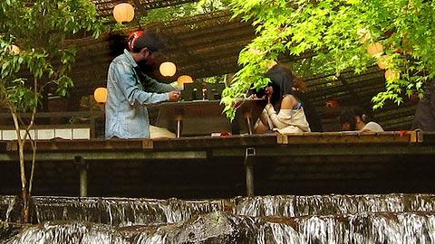 涼を求めて!夏の川床が人気の宿ランキング