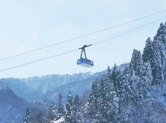 越後湯沢の雪山