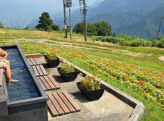 越後湯沢温泉 湯沢高原の足湯