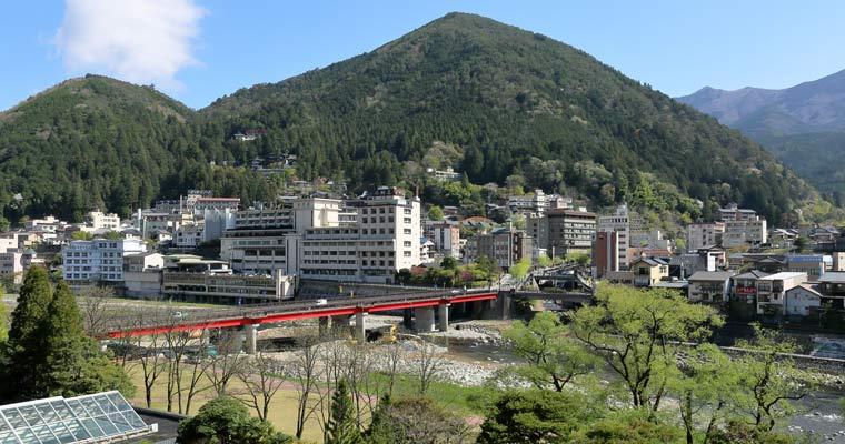 飛騨川と下呂大橋