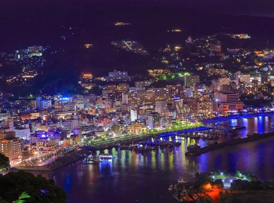 熱海温泉街夜景