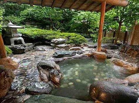 金沢・湯涌温泉 離れと貸切風呂が人気の美食宿 かなや:温泉