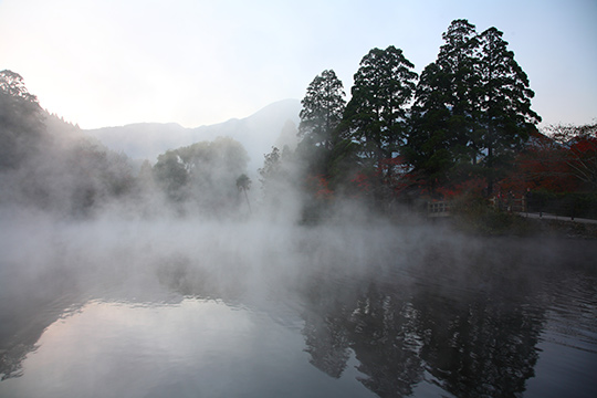 由布院温泉 金鱗湖