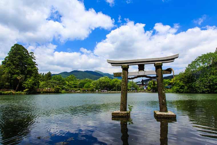 由布院温泉 新緑の金鱗湖