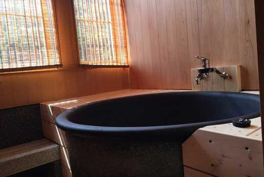 須賀谷温泉 客室半露天風呂