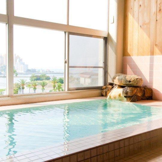 ペットと泊まる 白浜温泉 ベイリリィ国民宿舎しらゆり荘 温泉大浴場