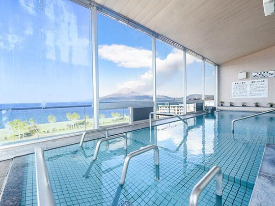 リブマックスリゾート 桜島シーフロント 桜島を望む展望風呂