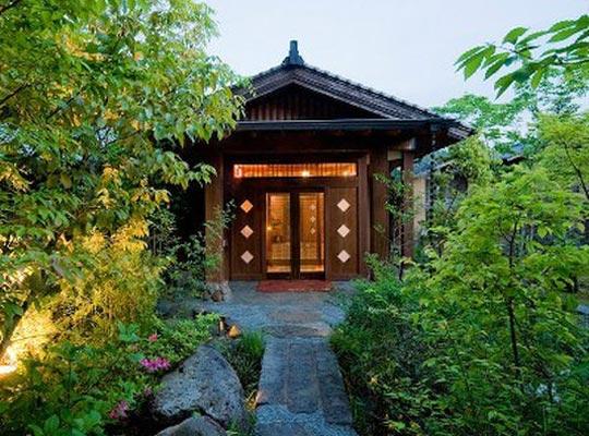 「離れのある宿」九州の宿・ホテル・旅館 【るる …