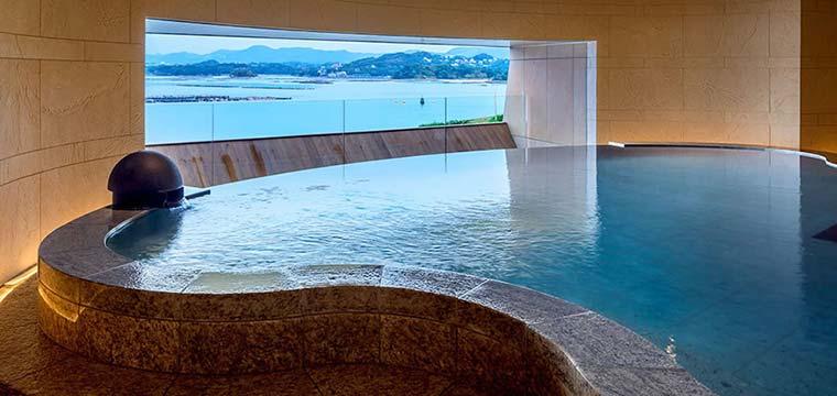 白浜温泉 ホテル川久 温泉サロン「ROYAL SPA」 城主の露天風呂