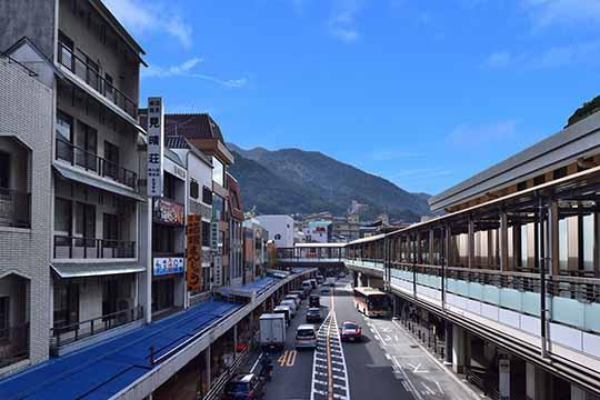 箱根湯本駅前商店街