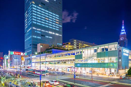 バスタ新宿 歩行者広場