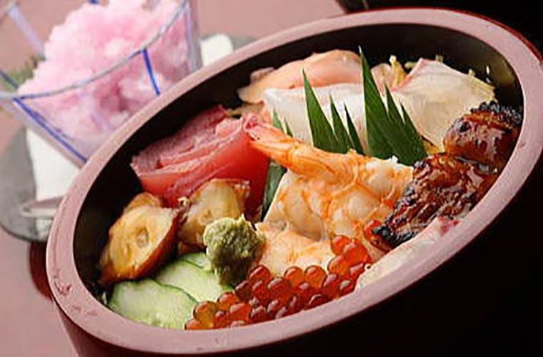 南紀白浜 幸鮨 特製日替わりちらし寿司