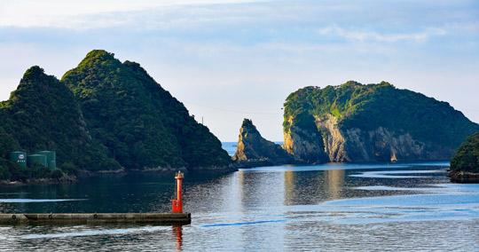 勝浦の海など、映画「溺れるナイフ」舞台地