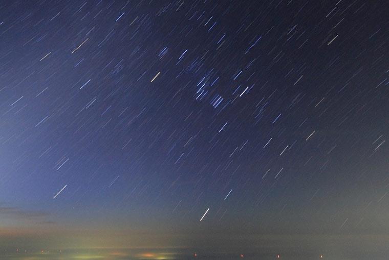 那須・朝日岳から見る登るオリオン座