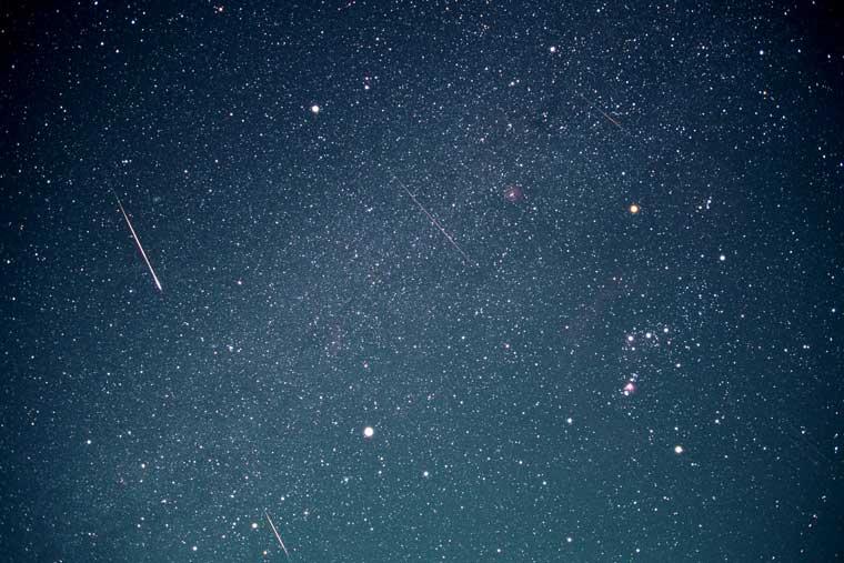 しし座流星群とオリオン座(清里)