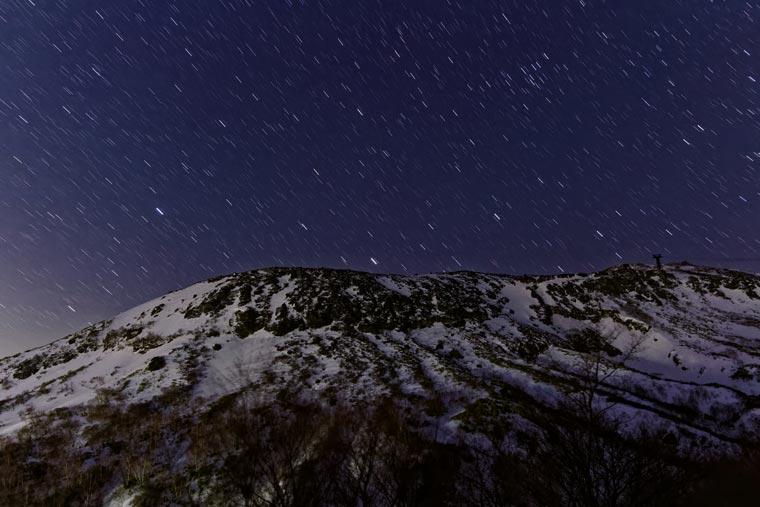 那須・茶臼岳と星空