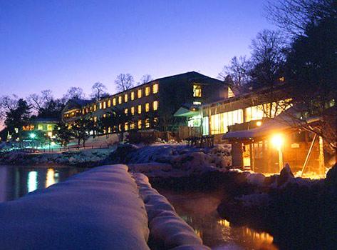 丸駒温泉旅館の外観