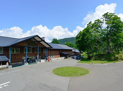女性一人旅におすすめの温泉宿。秋田県 新玉川温泉 外観