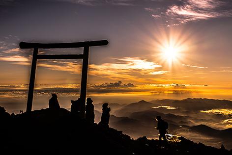 一生に一度は富士登山!!