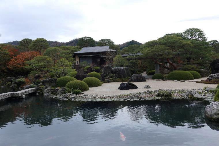 足立美術館の池庭
