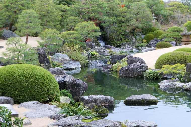 足立美術館の白砂青松庭