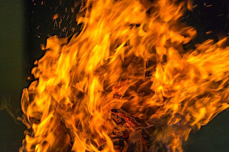 吉田の火祭り(山梨県)