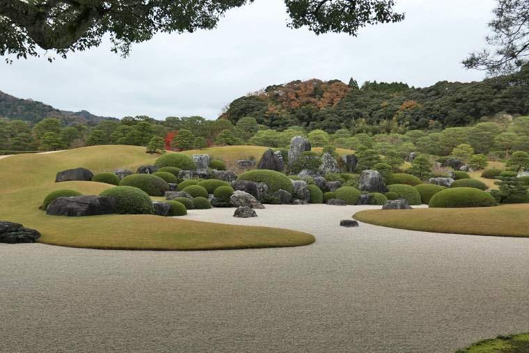 足立美術館の枯山水庭