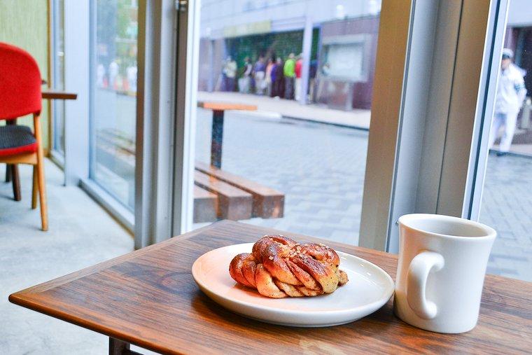 何時間も長居したくなっちゃう居心地のいいカフェ「FUGLEN ASAKUSA」