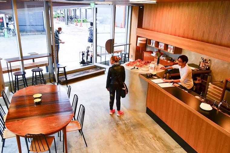 北欧ノルウェー・オスロから来た人気カフェ「FUGLEN ASAKUSA」