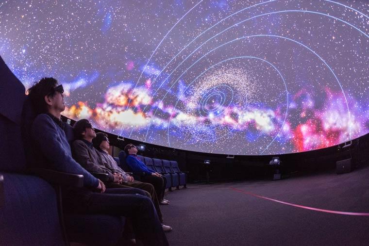 国立天文台 4D2Uドームシアター
