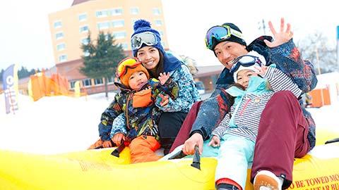 家族で楽しむ新潟県のスキー場14選!ファミリー向けのサービスが充実!