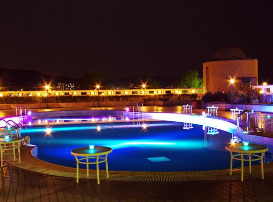 ロイヤルオークホテル スパ&ガーデンズ