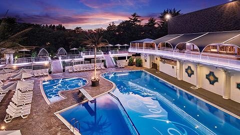 【2018】東京のナイトプール&屋外プールが楽しめるホテル