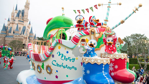 東京ディズニーランドのクリスマス2019 パレードや新発売グッズもご紹介