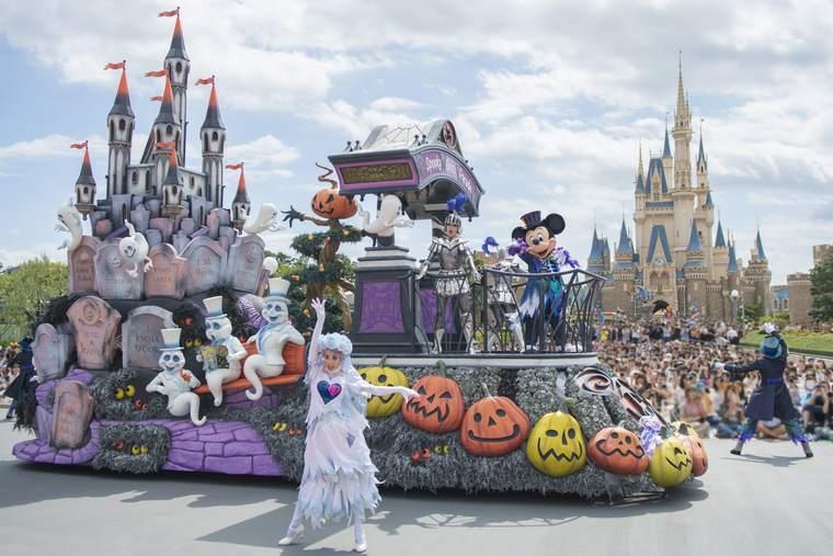 """東京ディズニーランド  ハロウィーンショー「スプーキー""""Boo!""""パレード」"""