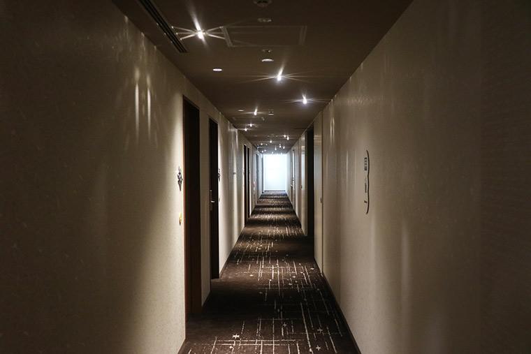ホテル ユニバーサル ポート ヴィータ 廊下