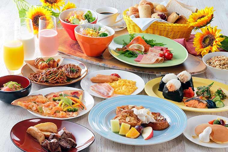 朝食ビュッフェでは大阪名物『ミックスジュース』