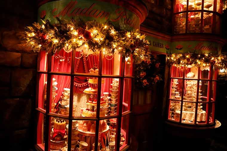 ホグズミード村のクリスマス装飾