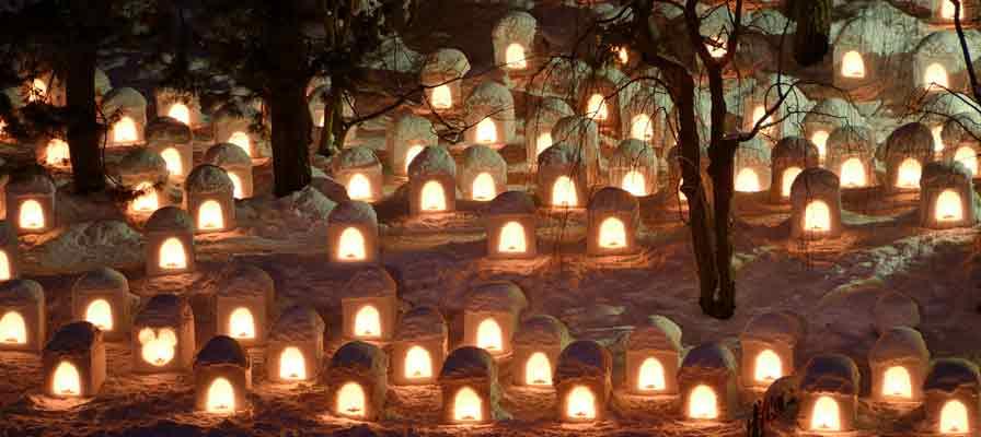 弘前城雪燈籠(HIROSAKIJOUYUKIDOUROU)祭